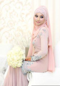 SSeasikan Warna Kulit dengan Warna Hijab