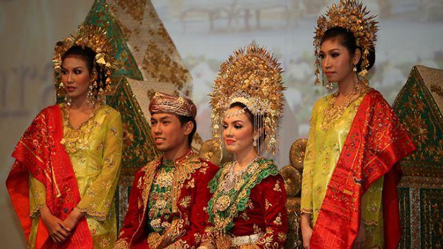 Adat-Perkawinan-Minangkabau.jpg