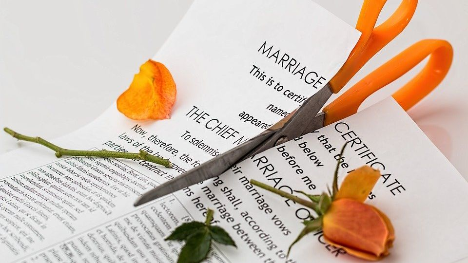 Divorce-Scenarios-and-Procedures-for-Mixed-Marriages-in-Indonesian.jpg